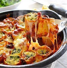 Baked Spinach and Ricotta Rotolo By ~ eight contemporary lasagne sheets half cup Mozarella cheese , shredded Freshly grated parmesan cheese , for serving (optionally available) Filling … Vegetarian Recipes, Cooking Recipes, Healthy Recipes, Tasty Meals, Vitamix Recipes, Cooking Tips, Healthy Food, Recipetin Eats, Recipe Tin