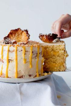 Gluten-Free Pineapple Coconut Cake with Passionfruit Curd Gluten Free Sweets, Gluten Free Cakes, Gluten Free Baking, Gluten Free Recipes, Gluten Free Coconut Cake, Coconut Cakes, Lemon Cakes, Foods With Gluten, Sans Gluten