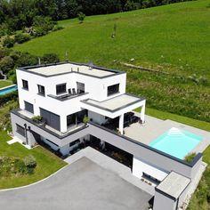 Bei uns planen dir unsere hauseigenen Architekten deinen individuellen Traum vom Haus. Interiordesign, Mansions, House Styles, Homes, Home Decor, Bedroom, Full Bath, Living Room, Modern Architecture