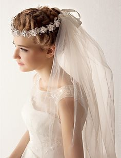 Two Tier Tulle Fingertips Wedding Veil With Flower - USD $ 19.99