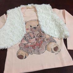 Novidades #invernoPurezaBaby #inverno2015  Blusinha com strass e colete de Pelo - R$ 69,90 Tamanhos do 1 ao 4   Link na loja http://purezababy.com.br/roupa-meninas.html?cat=30