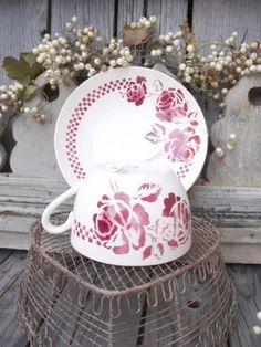 **Ancienne grande tasse à petit déjeuner Saint Amand 1950