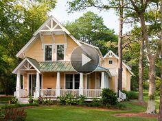 20 ideas farmhouse exterior colors curb appeal metal roof for 2019 Exterior Colors, Exterior Paint, Exterior Design, Yellow House Exterior, Paint Colors For Home, House Colors, Eco Casas, Pintura Exterior, Yellow Houses