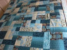 yellow brick road quilt pattern | Category: Quilts - Nicola Foreman Quilts  Yellow brick road colorway - teal /browns