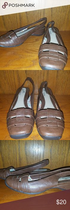 792deb5bf Easy Street Comfort Wave Brown Size 6.5 Sandal s Like New Easy Street  Comfort Wave Brown Size