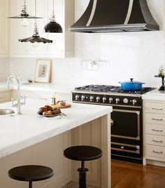 Looks we Love:  Blackberry details in the Kitchen