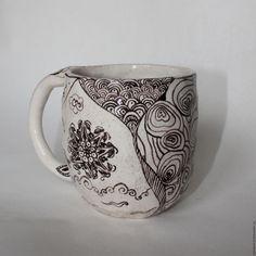 """Купить Кружка """"мятая"""" Дудл - чёрно-белый, оригинальная кружка, оригинальная чашка, необычный подарок"""