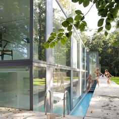 WOW...is the only word I can think of as my jaw just dropped. Glass house by Belgian architects Govaert & Vanhoutte