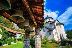 Il Montenegro settentrionale invita a innumerevoli avventure tra i suoi altipiani. I suoi grandi scenari, che comprendono i Parchi Nazionali di Durmitor, Biogradska Gora e Prokletije, sono mete da sogno per chi ama le escursioni in montagna, la bicicletta, la canoa e il rafting. Per chi preferisce rilassarsi, questa regione selvaggia merita di essere esplorata anche per il suo patrimonio culturale e storico, la sua accoglienza, per i prodotti offerti dalla natura e per l'ospitalità delle…