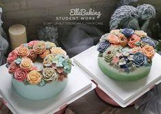 "ElleBaking FlowerCake on Instagram: ""กว่าจะได้แต่ละก้อน ปลุกปล้ำกันตั้งแต่สอนทเค้ก สอนตีครีมที่ไม่ใส่เนยขาวหรือมาการีน สอนปาดเค้ก สอนการใช้สี  สอนบีบดอกไม้ สอนจัดวาง สอนเก็บงาน…"" Buttercream Flower Cake, Desserts, Food, Tailgate Desserts, Deserts, Essen, Postres, Meals, Dessert"