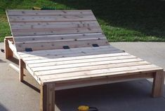 Love this DIY Pottery Barn Double Chaise for the backyard. Pallet Lounge, Outdoor Lounge, Outdoor Daybed, Outdoor Furniture Plans, Pallet Furniture, Pallet Walls, Pallet Tv, White Furniture, Furniture Ideas