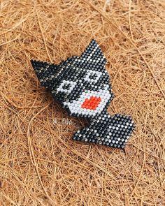 Hello everybody  • sexy #Brooch #Catwoman • < i am catwoman. hear me roar > • •link in bio• #designbyfelvi