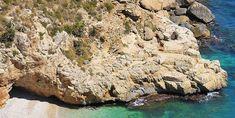 Playas y calas desconocidas en Cabo de Gata y Almería para verano Fauna Marina, Snorkel, Water, Outdoor, Treasure Island, Spain Tourism, Beach Bars, Natural Playgrounds, Gripe Water