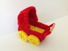 Dollhouse furniture: Pipe cleaner baby buggy 1/4, DIY tutorial