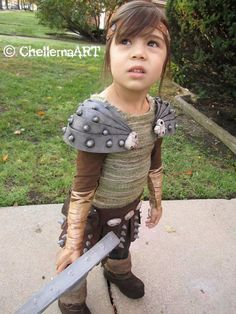 Astrid -How toTrain Your Dragon cosplay costume.  via Etsy.
