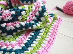 Tutorial fai da te: Scialle triangolare all'uncinetto via DaWanda.com