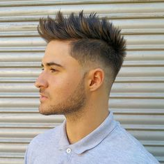 Men and Women Hairstyle Trends Mohawk For Men, Mohawk Hairstyles For Men, Modern Hairstyles, Summer Hairstyles, Mohawk Cut, Mohawk Hairstyles Men, Mens Hairstyles 2018, Undercut Hairstyle, Quiff Haircut
