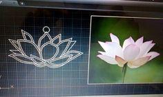 La formación académica se une a la pasión para darle vida a lo que inspira. Gracias a la Ingeniería y  Orfebreria se le da vida en metal a esta hermosa flor de loto.  #joyeriadeautor #artisanjewelry #joyeria #jewelry #jewelryaddict #metalsmith #Namaste #yogajewelry #yoguiscoquetas #yogacaracas #yogapanama #zen #buddhism #budismo #talentovenezolano #disenovenezolano #design #jewelrydesign