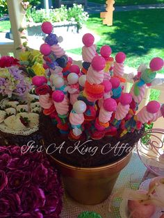 We Heart Parties is a community website to share easy party ideas. Find inspiration for birthday parties, baby showers, bridal showers, graduation parties, first birthday parties and more. First Birthday Parties, First Birthdays, Heart Party, Lollipops, Best Part Of Me, Bridal Shower, Party Ideas, Garden, Fun