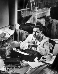 Tennessee Williams at his typewriter