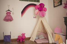 montre moi ta chambre déco décoration chambre enfant bébé rose tipi pompons babayaga magazine