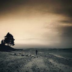 10 Wonderful iPhone Photos That Feature Lone Figures
