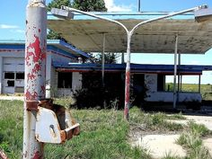 I used to get beer here!!! Billings, OK........Old abandoned gas station and restaurant on I35.