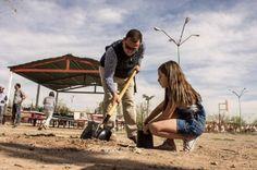 Gabriel García Cantú y Municipio coordinadamente arreglan calles de Fraccionamiento Valle Verde | El Puntero