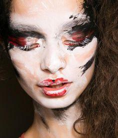 Val Garland make up per Vivienne Westwood.