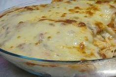 Πέννες στο φούρνο, ψημμένες σε μια αφράτη πικάντικη κρέμα τυριών με 3 λαστιχωτά τυριά που λιώνουν στο στόμα. Μια εύκολη συνταγή (βασική ιδέα, προσαρμοσμένη