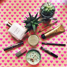 Turn Loose the Swans - Favourite beauty and skincare products for February.