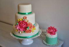 Romantic vintage cake and mini cake