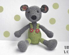 PDF Crochet Pattern TINY MOUSE in Walnut Shell by bvoe668 on Etsy