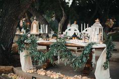 Wedding Decor, The Retro Ranch, Desi Gilbert Floral, Pure Lavish Events - Temecula Wedding http://caratsandcake.com/taliaandbryan