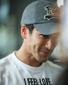 😬😬😊😊 #nofilterneeded #nadech Mario Maurer, Best Thai, Feeling Loved, Beautiful Smile, Cute Boys, Handsome, Entertainment, Asian, Artists