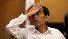 Peringatan HUT PGRI ke-70 Kekecewaan Guru Terhadap Jokowi : Meski adanya surat edaran larangan dari Menteri Pendayagunaan Aparatur Negara dan Reformasi Birokrasi serta Menteri Pendidikan dan Kebudayaan sebanyak 115.000 guru p