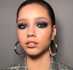 "Navy blue smoky eyes History of eye makeup ""Eye care"", in other words, ""eye make-up"" Neutral Eye Makeup, Dark Eye Makeup, Smoky Eye Makeup, Hooded Eye Makeup, Simple Eye Makeup, Black Makeup, Makeup For Green Eyes, Black Eyeliner, Eye Makeup Tips"