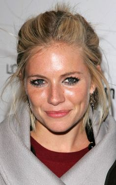 Sienna Miller Messy Updo - Sienna Miller attended the launch of Sixdegrees.org wearing this messy-cute updo.