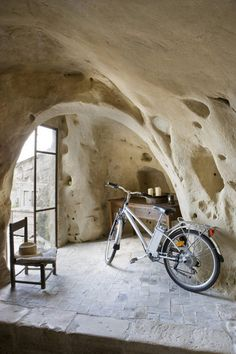 the Puglia region ITALY: Albergo della Civita, in the town of Matera. UNESCO world heritage listed, with amazing cave dwellings that you can stay in. Castel Del Monte, Troglodytes, Southern Italy, World Heritage Sites, Dream Vacations, Monuments, Italy Travel, Beautiful Places, Places To Visit