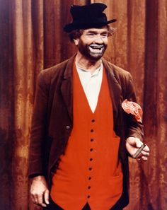 September 17 – d Red Skelton, American comedian (b. Clown Pics, Hollywood Icons, Vintage Hollywood, Hollywood Stars, Classic Hollywood, Funny People, Funny Guys, Funny Man, Red Skelton