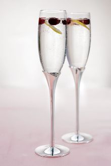Tulip Stem Toasting Flute Set features stems made of silver palted zinc alloy. The top of the stem is molded like the top of a tulip. Sitting on top of the stem is a clear glass flute. This item can be personalized. Wedding Toasting Glasses, Wedding Flutes, Toasting Flutes, Silver Accessories, Wedding Accessories, Wedding Reception At Home, Wedding Ideas, Flute Champagne, Anniversary Flowers