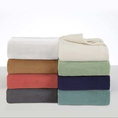 The Vellux Fleece Blanket is the perfect layer for your bed. Made from premium microfiber yarn, the lightweight yet warm blanket offers extra softness and a refined look. Vellux brushed the blanket on b Weighted Blanket, Blanket Sizes, Winter Blankets, Warm Blankets, Polar Fleece Blankets, Fleece Hats, Online Bedding Stores, Bedding Basics