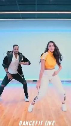 Dance Tips, Dance Moves, Cute Song Lyrics, Cute Love Songs, Dance Choreography Videos, Dance Videos, Dance Art, Dance Music, Bhangra Dance