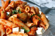 Artichoke and Smoked Mozzarella Penne Penne, Smoked Mozzarella Recipe, Mediterranean Recipes, Kitchen Recipes, Pasta Dishes, Vegetarian Recipes, Yummy Recipes, Food Inspiration, Food To Make