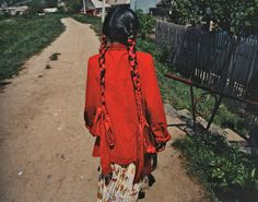 endilletante: The Roma Journeys / Die Romareisenphotographs by Joakim ESKILDSENEnglish and German (separate editions)Foreword by Günter Grass, Text by Cia Rinne, Steidl 2007 & 2009