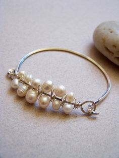 easy bracelet with wire and pearl beads