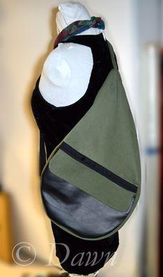 DIY Cross-body or shoulder tear-shaped backpack Diy Fashion Bags, One Shoulder Backpack, Shoulder Bags, Diy Bags Purses, Sew Bags, Bags Sewing, Diy Purse, Diy Backpack, Diaper Backpack