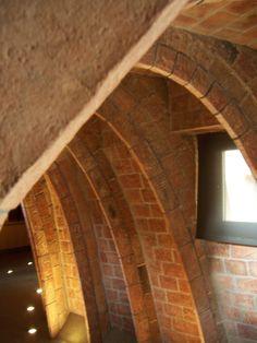 La Pedrera inner arches 3