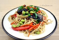 Vegetable Lo Mein (Vegan) from cHow Divine