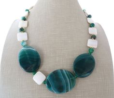 Green agate necklace chunky necklace big bold by Sofiasbijoux